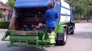 lori sampah